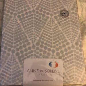 NWT Anne de Solene Paris queen fitted sheet